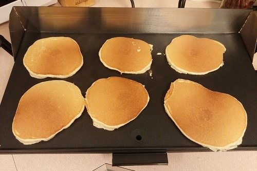 Making Pancakes on Broil King PCG-10 Professional Portable Nonstick Griddle