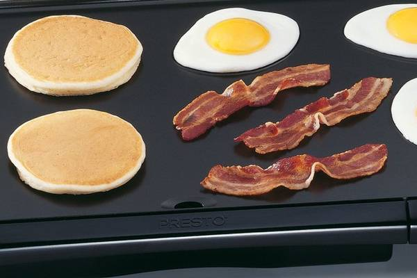 Presto-07030 -Cool-Touch-Electric-Griddle-Featured-topelectricgriddles.com