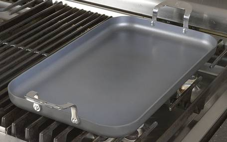 Emeril-Lagasse-62929-griddle-over-stove-topelectricgriddles.com