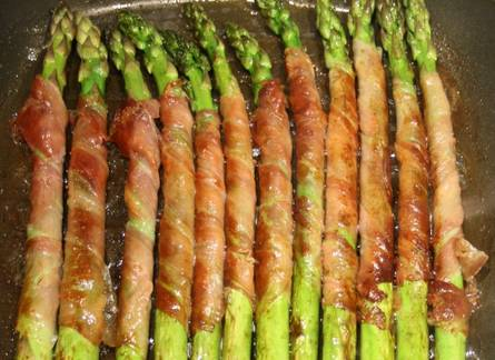Griddled-Asparagus-with-Serrano-topelectricgriddles.com