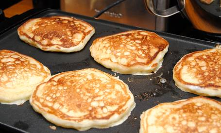 how to use a griddle for pancakes
