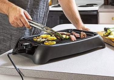 Best-indoor-grill-cheap-budget-MaxiMatic-EGL-3450GD-Elite-Cuisine-13-Inch-Countertop-Non-Stick-Electric-Indoor-Grill-cooking