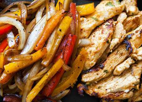 Chicken-fajitas-on-a-griddle