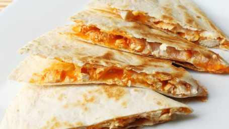Chicken-quesadillas-on-a-griddle