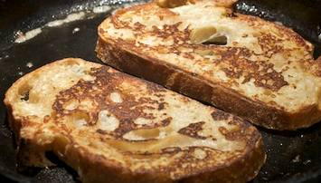 French-Toast-on-Griddle-101