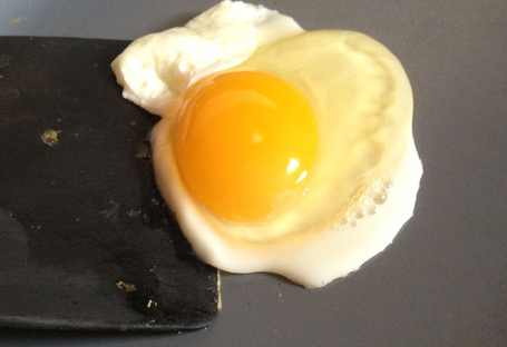 Griddle-temperature-for-eggs-What-temperature-to-cook-an-egg-on-a-griddle