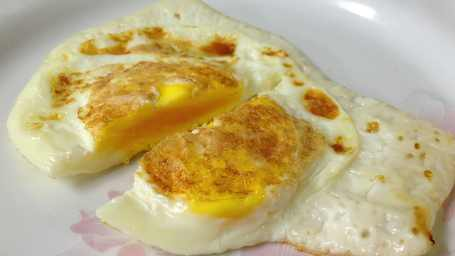 How-do-I-cook-my-eggs-over-medium-or-hard