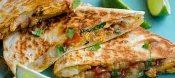 How-to-make-chicken-quesadillas-on-a-griddle