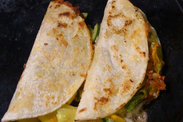 Stovetop-Quesadilla-how-to-make-a-quesadilla-on-the-stove